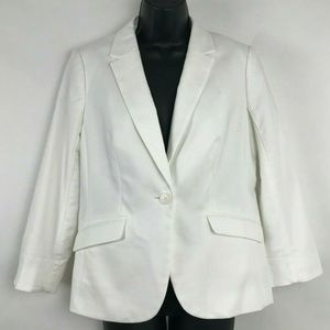 The Limited Signature White Stretch One Button M